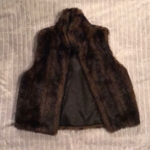 Jackets & Blazers - Brown Faux Fur Vest Size Small